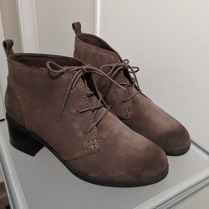 Clarks Suede Lace-up Ankle Boots - Nevella